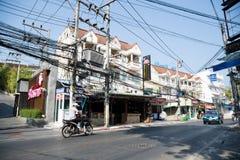 Elektrische und Kommunikationsdrähte in Thailand Stockfotos