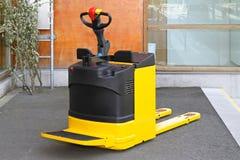 Elektrische voetvrachtwagen Stock Afbeeldingen