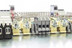 Elektrische Wassertankanschlüsse, -kabel und -drähte auf dem artboard Lizenzfreie Stockbilder