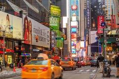 Elektrische Zeichen bei Broadway NY Stockfoto