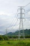 Elektrischer Übertragungskontrollturm stockfotos