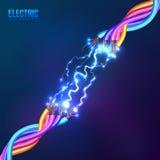 Elektrischer Blitz zwischen farbigen Kabeln Lizenzfreies Stockfoto