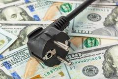 Elektrischer Bolzen auf Geld lizenzfreie stockfotografie