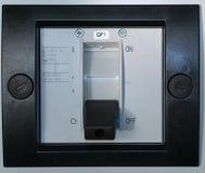 Elektrischer Leistungsschalter auf dem Vorderteil des elektrischen Kabinetts Lizenzfreies Stockbild