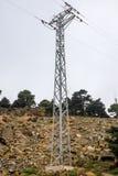Elektrischer Mast in den mountais von Estepona Stockfotografie