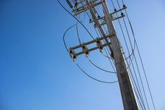 Elektrischer Pol lizenzfreie stockbilder