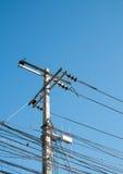 Elektrischer Pole in der Stadt Stockfoto
