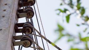 Elektrischer Posten mit Isolator Stockfoto