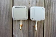 Elektrischer Schalter und Steckdose im Freien lizenzfreie stockbilder