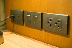 elektrischer Stecker ist die Technologie für Stromversorgung in Hauptgebrauch 2 Lizenzfreies Stockfoto