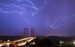 Elektrischer Sturm-Blitzschlag-Bolzen-Tacoma-Enge-Brücke W Lizenzfreies Stockfoto