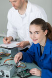 Elektrischer und elektronischer Versammlungsteilnehmer lizenzfreies stockfoto