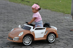 Elektrisches Spielzeugauto Lizenzfreie Stockbilder