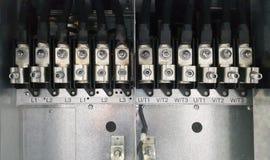 Elektrisches Teil und Zubehör im Schaltschrank, in der Steuerung und im Verteiler stockfoto