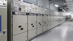 Elektrisches Teil und Zubehör im Schaltschrank, in der Steuerung und im Verteiler lizenzfreies stockbild