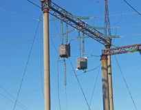Elektrisk avdelningskontorhög-spänning portal och HF-barriär arkivfoto