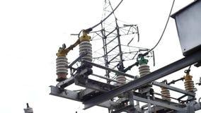 Elektrisk avdelningskontorutrustning: elektricitetsöverföringslinje som jordar en kontakt strömbrytaren Ram Jorda en kontakt strö lager videofilmer