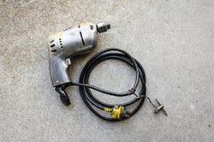 Elektrisk drillborr för gammal tung metall Arkivfoton