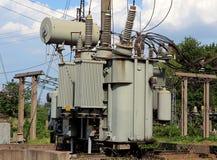 elektrisk elektricitetsutrustningtransformator Royaltyfri Fotografi