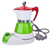 Elektrisk färgrik vit, grön och röd kruka för metallgeyserkaffe, kaffebryggare som isoleras på vit bakgrund royaltyfri bild