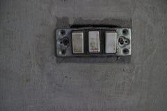 elektrisk gammal strömbrytare Arkivbilder
