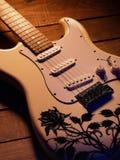 elektrisk gitarrwhite Arkivbilder