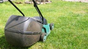 elektrisk gräsklippare Royaltyfria Foton