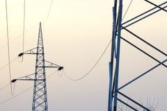 elektrisk hög linje spänning Royaltyfria Bilder