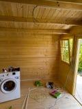 Elektrisk installation av en kabin fotografering för bildbyråer