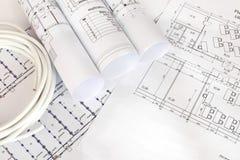 Elektrisk kabel på byggnadsritningarna arkivbilder
