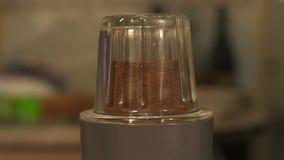 Elektrisk kaffekvarnnärbild lager videofilmer