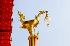 Elektrisk lampa för Retro thailändsk stil på pelaren Royaltyfri Fotografi