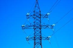 elektrisk linje strömwhite för svart begrepp royaltyfri bild