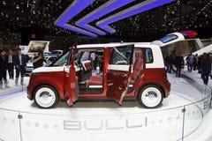 elektrisk minivan volkswagen för bullibegrepp Royaltyfria Bilder