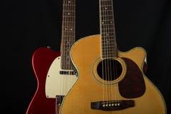 Elektrisk och akustisk gitarr royaltyfri foto