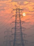 Elektrisk pylon och höga spänningskraftledningar nära omformningsstation på soluppgång i Gurgaon Fotografering för Bildbyråer