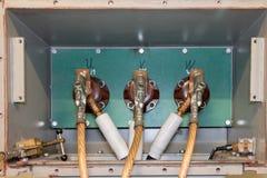 Elektrisk säkerhet och synligt jorda en kontakt motorledningsnät royaltyfria foton