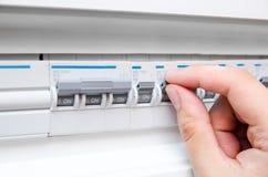 Elektrisk säkring för handströmbrytare Arkivfoto
