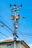 Elektrisk stolpe & trådar Arkivbilder