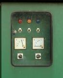 Elektrisk strömbrytarekontrollbord Arkivfoton