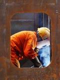 Elektrisk welder i skeppsvarven Arkivfoton