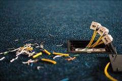 Elektriska håligheter och håligheter för nätverkskontaktdon rj45, installationsprocess, kontor Uppsättning Arkivfoto