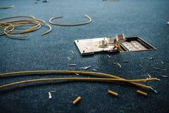 Elektriska håligheter och håligheter för nätverkskontaktdon rj45, installationsprocess, kontor Uppsättning royaltyfria bilder