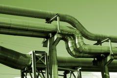 elektriska industriella linjer pipelinesström för bw Royaltyfri Bild