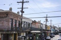Elektriska kablar i gatorna av New Orleans - NEW ORLEANS, LOUISIANA - APRIL 18, 2016 Royaltyfri Bild