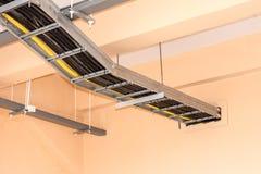 Elektriska kablar inom byggnaden Arkivbilder