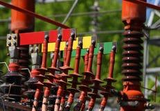 Elektriska kontaktdon RÖD GRÄSPLAN och guling för anslutning poen Royaltyfri Foto