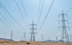 elektriska linjer Fotografering för Bildbyråer