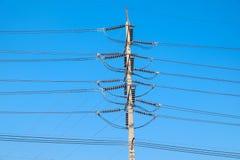 Elektriska poler av hög spänning Arkivbild