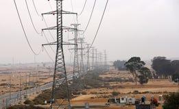 Elektriska poler i öknen Royaltyfri Fotografi